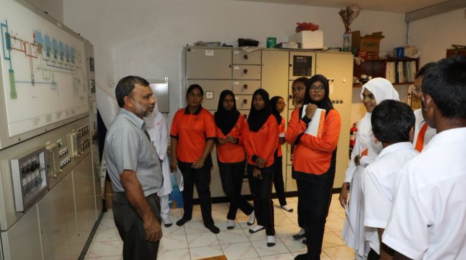 Students Of Imaaduddin School Visited STELCO. The Field Trip Included An Information Session On The Water Bottling Process, And Basic Tips Which Can Be Practiced At Home.