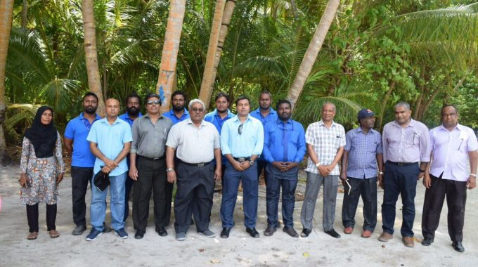 Managing Director Of STELCO Hassan Mughnee And STELCO Board Chairman Visits A Dh Omadhoo Powerhouse. The Current Situation Of The Powerhouse Is Assessed.
