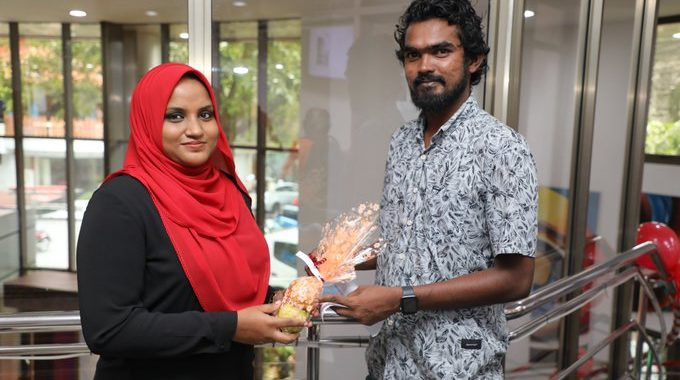 STELCO Gifts Fruits To Customers For World Heart Day.